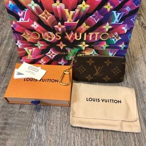 Authentic Louis Vuitton Momogram Key Holder